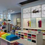 Lacoste ha scelto il digital signage in tre punti vendita in USA