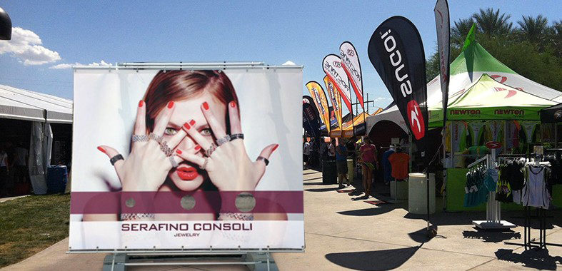 Outdoor advertising big banner stand
