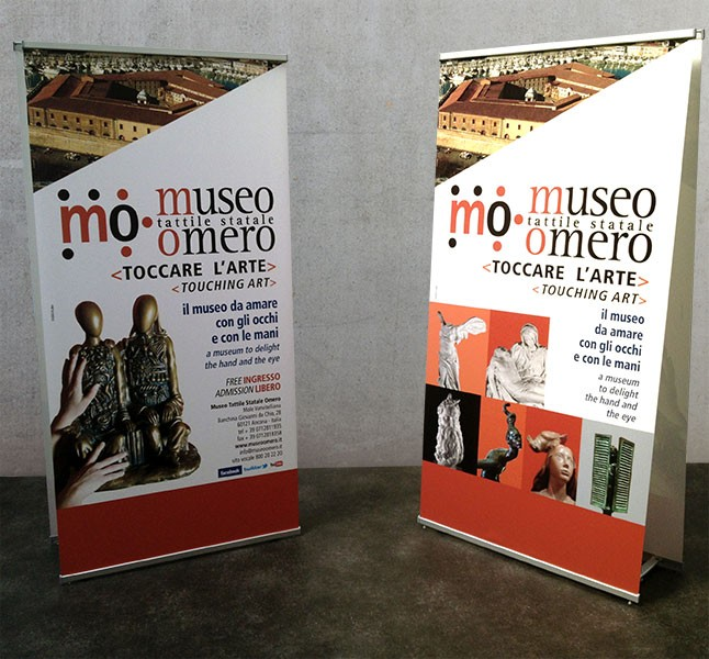 Espositore Banner Display bifacciale con profili a scatto