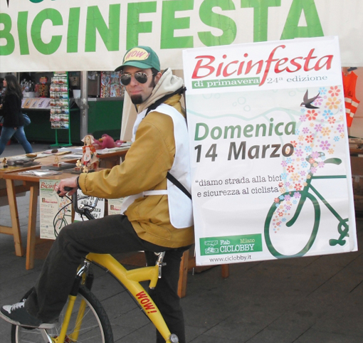 Promoter in bicicletta