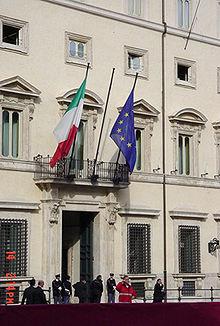 Bandiere istituzionali con fissaggio a parete