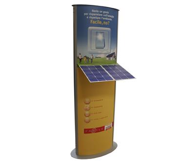 Totem con pannello forex per simulare un sistema fotovoltaico