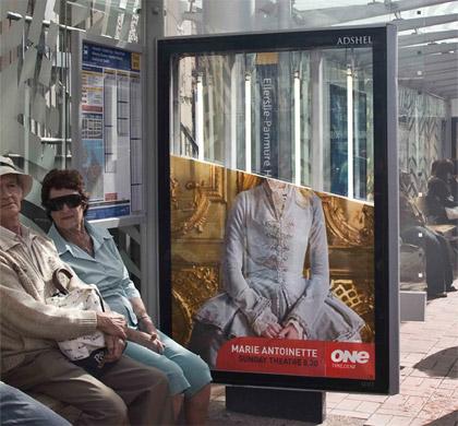 Guerrilla Marketing Installazione alla fermata dell'autobus