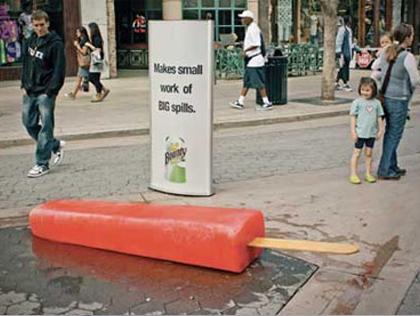 Guerrilla Marketing installazione su strada