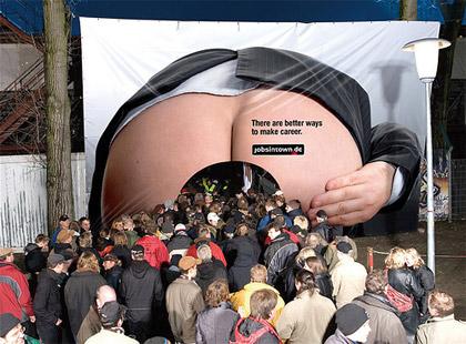Installazione espositiva Guerrilla Marketing