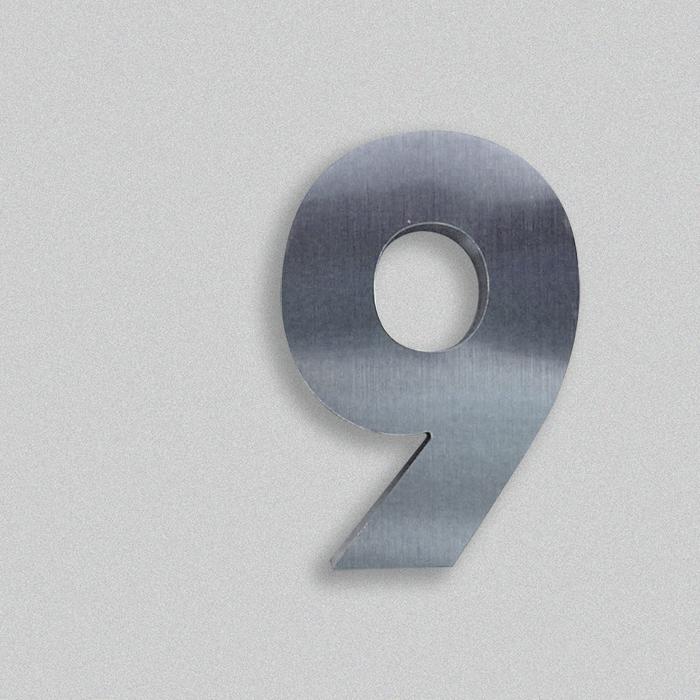 Logo scatolato in acciaio